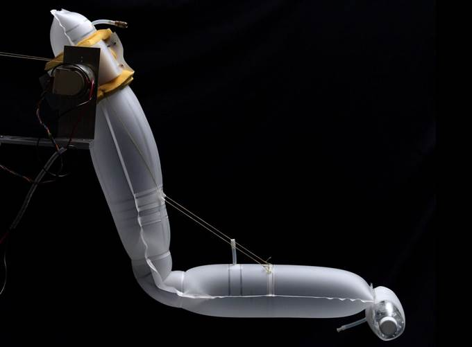Inflatable robot arm from CMU