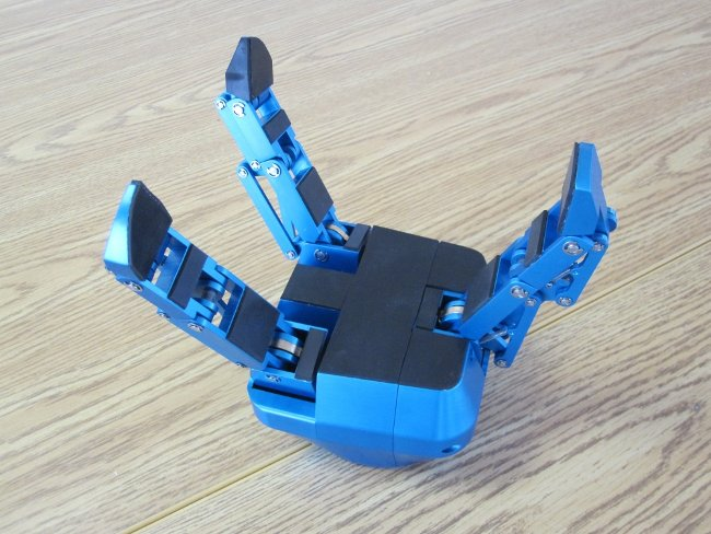 "Robotiq robot hand called ""Adaptive Gripper"" with under-actuated fingers"